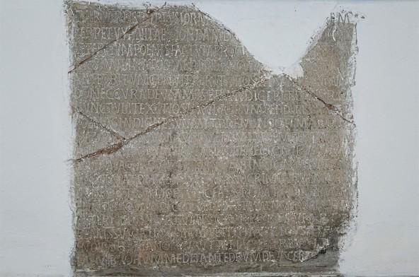 Kamena ploča u dvorcu